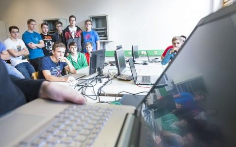 Wie gut HTL Absolvent_In für Informatik zu sein :-)