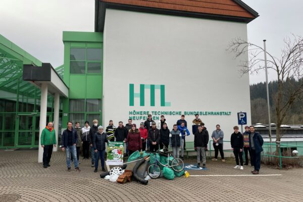 """""""Hui statt Pfui"""" – HTL Neufelden nimmt an Müllsammelaktion teil"""